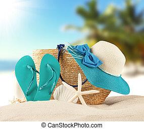 verano, playa, con, azul, sandalias, y, conchas,
