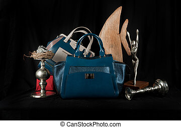 Fashionable handbag composition - Fashionable handbag with...