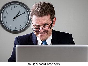 loucos, homem negócios, laptop, computador