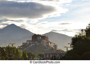 Potala Palace, former seat of Dalai Lama in Lhasa, Tibet -...
