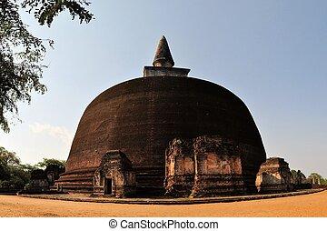 Rankoth Vehera in ancient city Polonnaruwa, Sri Lanka