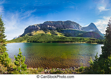 Red Rock Lake - Red rocks, pine trees, and clear green water...