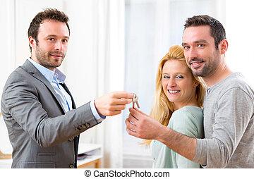 verdadero, propiedad, agente, entrega, llaves, de, nuevo,...