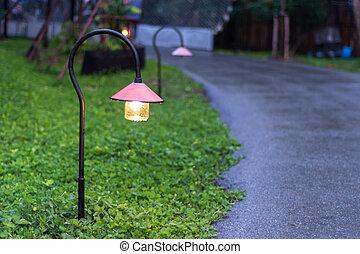 walkway lighting - Beautiful garden walkway lighting with...