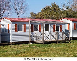 Mobile home - mobile home with veranda in campsite