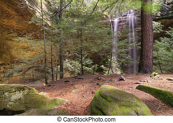Ash Cave in Hocking HIlls Ohio - Ash Cave Falls in Hocking...