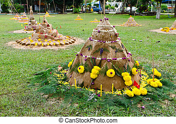 Tradition of carrying sand into  the temple