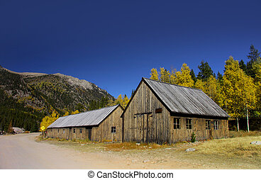 St Elmo Ghost town in Colorado - Abandoned houses in Saint...