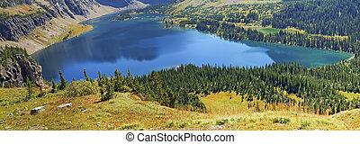 Hidden Lake, Glacier Natonal Park - Hidden Lake in Glacier...