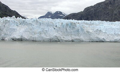 USA - Alaska - Margerie Glacier With The Backdrop Of Grand...