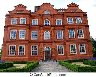 Kew palace. - Kew Palace in Kew Gardens, London, England.