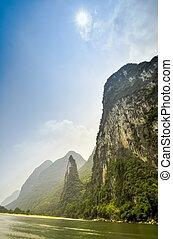 Li river baboo mountain landscape in Yangshuo Guilin China -...