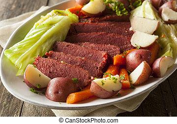 casero, Corned, carne de vaca, y, col,
