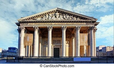 Pantheon in paris with blue sky, Time lapse