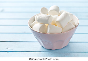 white marshmallows in bowl