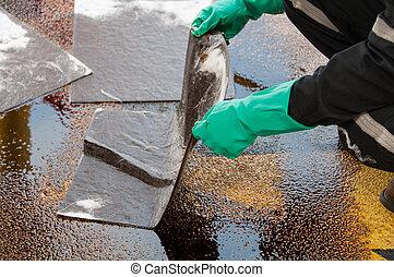 aceite, derramar, limpieza, en, trabajando, area., ,