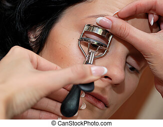 Make-up. Modeling the eyelashes length
