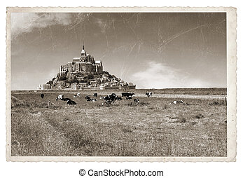 Mont Saint Michel Vintage photo - Le Mont Saint Michel...