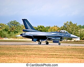 Taxiing F-16 fighteron an airshow