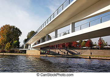 Kanzlergarten Bridge Berlin - the bridge between the...
