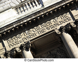 Old Bailey Inscription - Inscription above the entrance of...