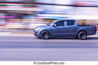 pick-up, accelerare, in, strada,