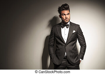 young handsome business man looking up - Picture of a young...