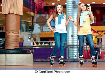Beautiful girls on the rollerdrome - Trying to impress you....