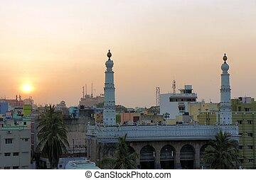 Wallajah Mosque in Triplicane, Chennai, Tamil Nadu, India -...