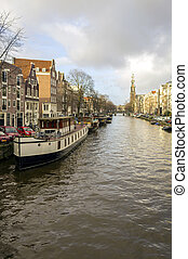 View on one of the Unesco world heritage city canals (Prinsengra