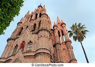 Parroquia Archangel gothic pink church, San Miguel de Allende, Mexico