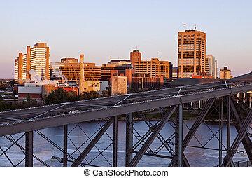 Alexandra Bridge and skyline of Gatineau - Gatineau,...