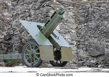 italian wheeled howitzer 7518 model 35 used in second world...