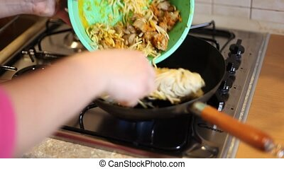 noodles - In a frying pan fried noodles HD video