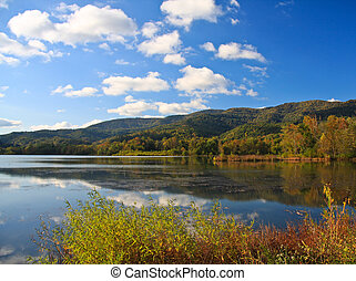 Cove Lake - Early autumn at Cove Lake State Park, Caryville,...
