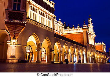 Sukiennice in Krakow at night - Sukiennice and town market...