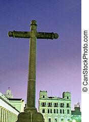 Cross- Ecuador