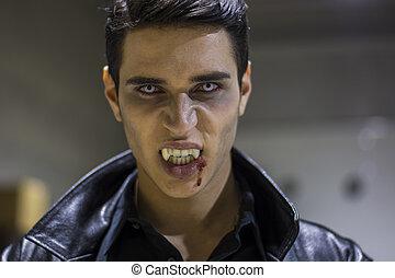 joven, vampiro, hombre, cara, con, sangre, en, el suyo,...