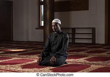 africaine, musulman, homme, est, prier, dans, les,...