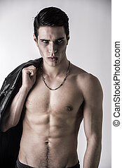 jovem, vampiro, homem, com, pretas, couro, casaco, ligado,...