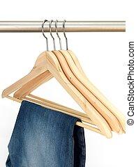 roupas, cabides,