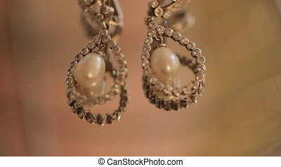 Beautiful earrings with stones and pearls - Beautiful...