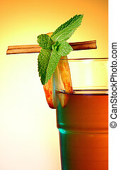 Apple cider ht drink vith cinamon and mint