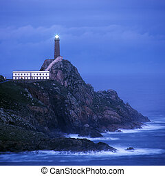 lighthouse, Cabo Viliuml;iquest;frac12;n, Galicia, Spain -...