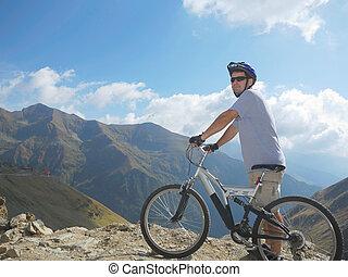 joven, hombre, Lleno, suspensión, bicicleta,...