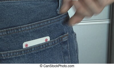 clever scammer hiding cards in your back pocket