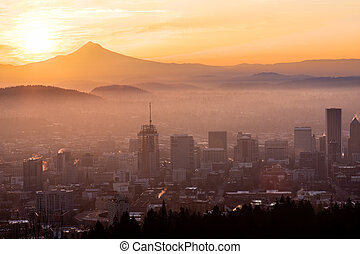 Beautiful Vista of Portland, Oregon - Sunrise View of...