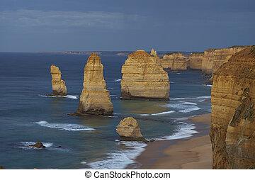 twelve apostles at sunrise, great ocean road
