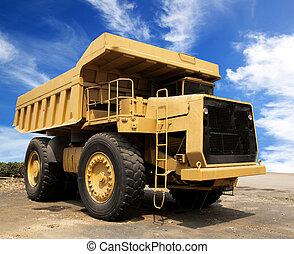 Caterpillar trucks, heavy equipmentof heavy mineral mining.
