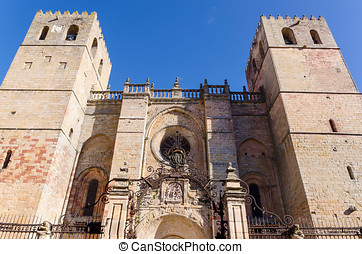 Cathedral entrance siguenza